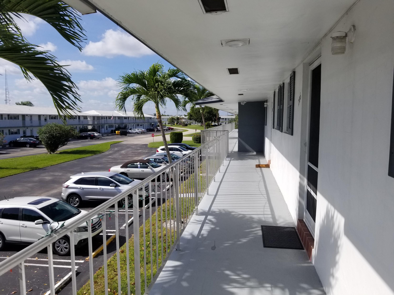 LEISUREVILLE LAKE CONDO home 1111 Lake Terrace Boynton Beach FL 33426