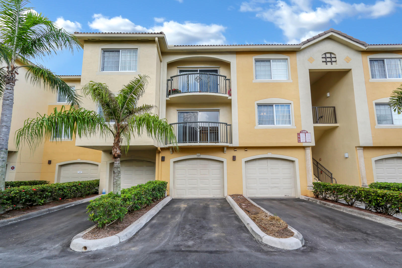 1300 Crestwood Court 1313 Royal Palm Beach, FL 33411