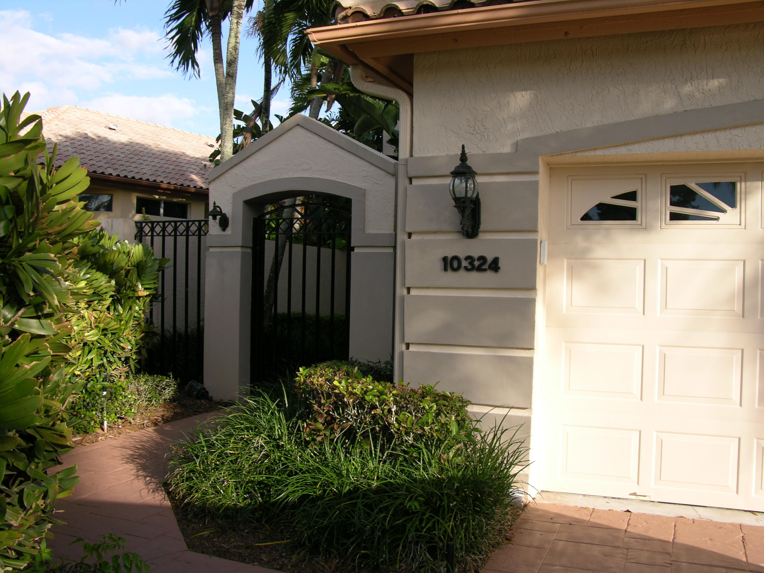 Home for sale in IBIS GOLF AND COUNTRY CLUB 5 West Palm Beach Florida