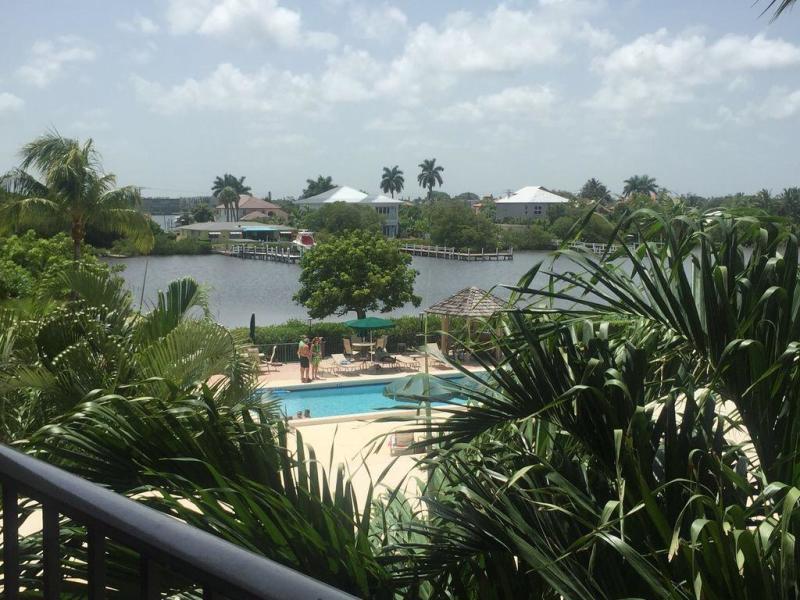 3545 S Ocean Boulevard 314  South Palm Beach FL 33480