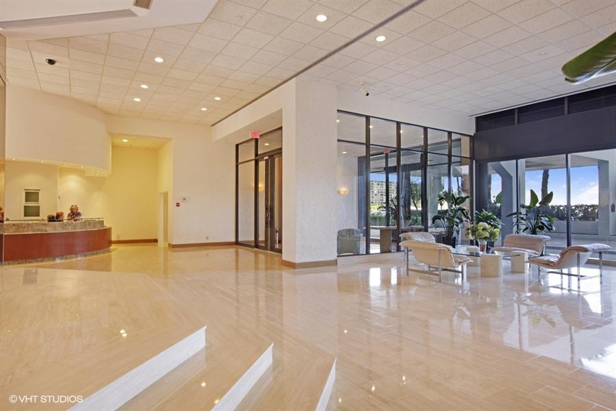 LAKE POINT TOWER REALTY