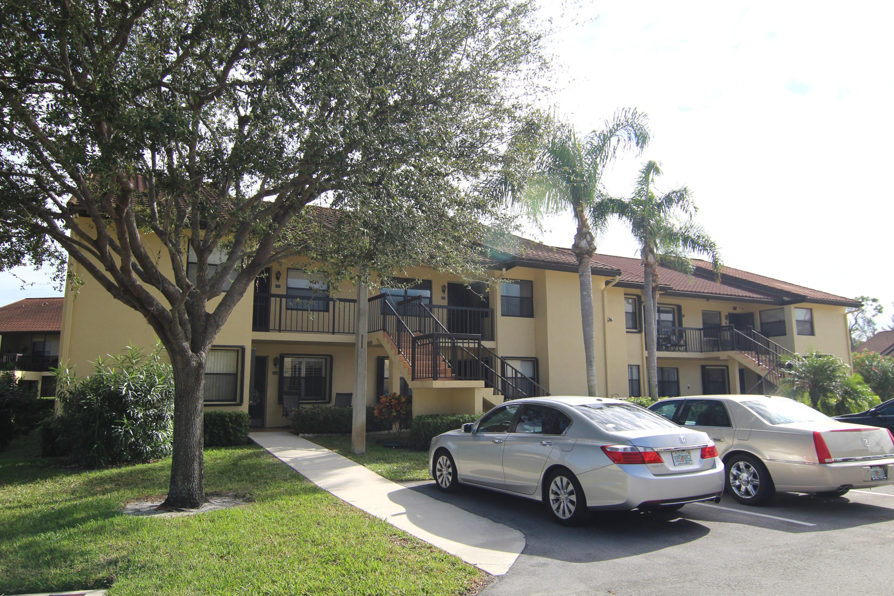 Photo of 4711 Lucerne Lakes Boulevard E #202, Lake Worth, FL 33467