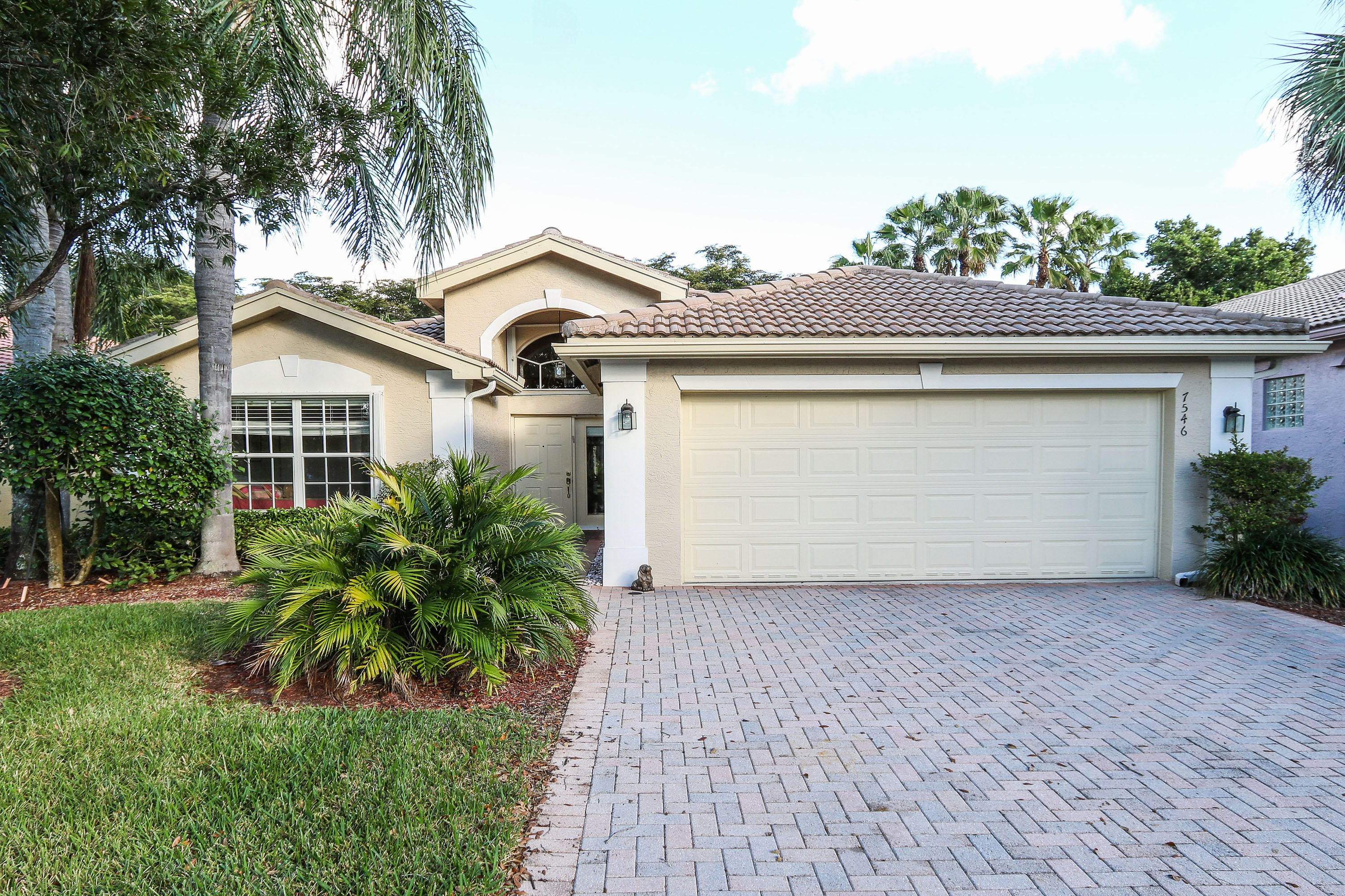 VALENCIA SHORES home 7546 Cape Verde Lane Lake Worth FL 33467