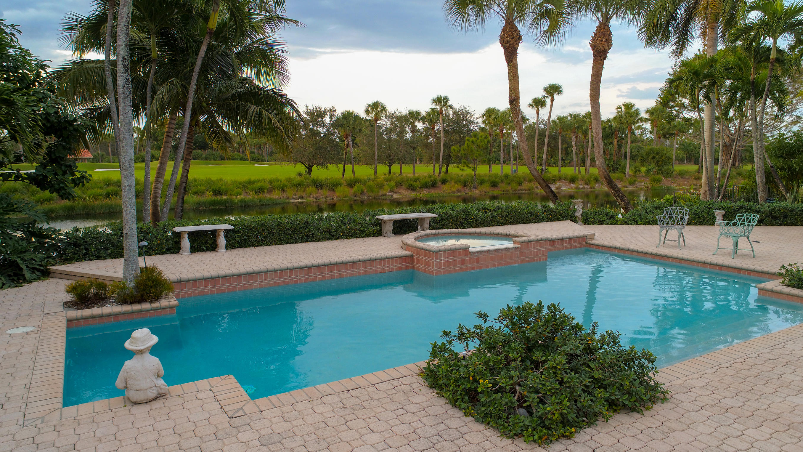 1362 Breakers W Boulevard West Palm Beach, FL 33411 photo 32