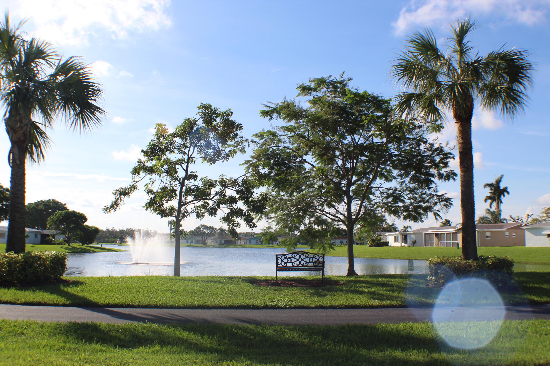 5116 Robino Circle West Palm Beach, FL 33417 photo 5