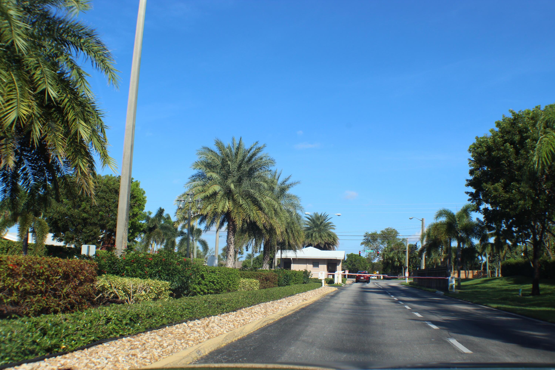 5116 Robino Circle West Palm Beach, FL 33417 photo 4