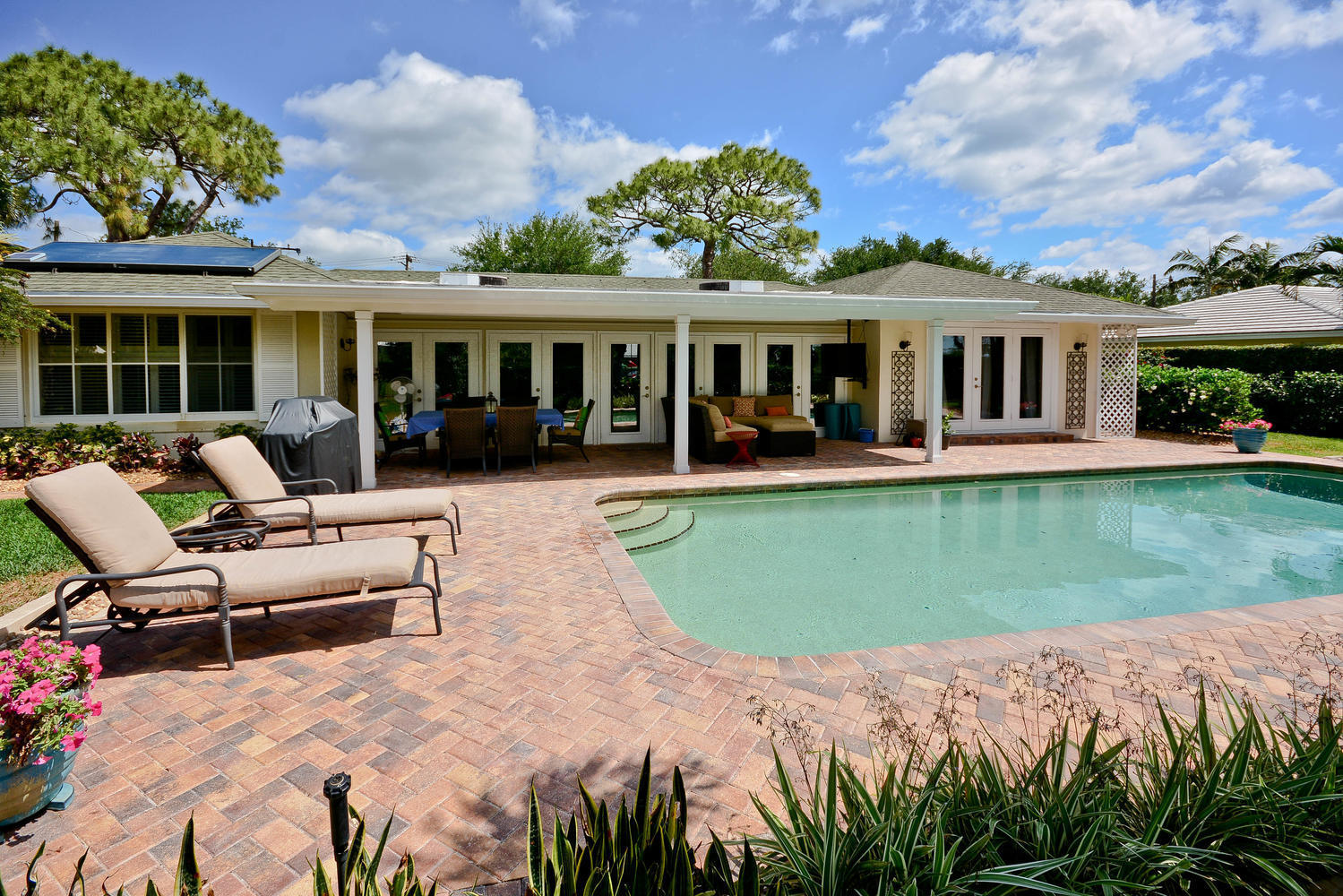 291 Country Club Drive, Tequesta, Florida 33469, 3 Bedrooms Bedrooms, ,2 BathroomsBathrooms,F,Single family,Country Club,RX-10492851