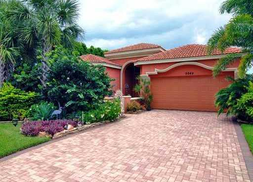 BUENA VIDA home 9949 Via Elegante Wellington FL 33411