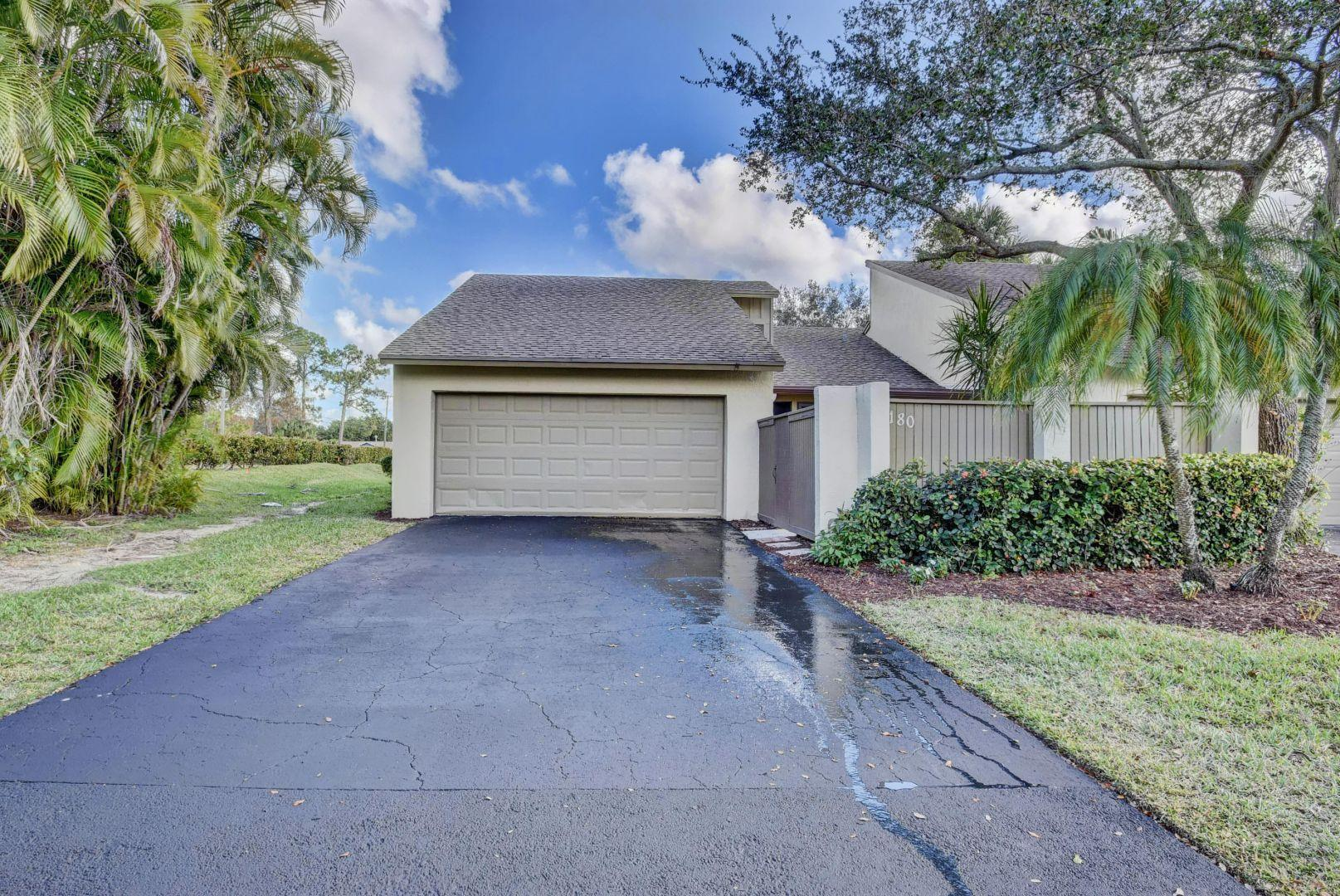 180 Pleasant Wood Drive Wellington, FL 33414