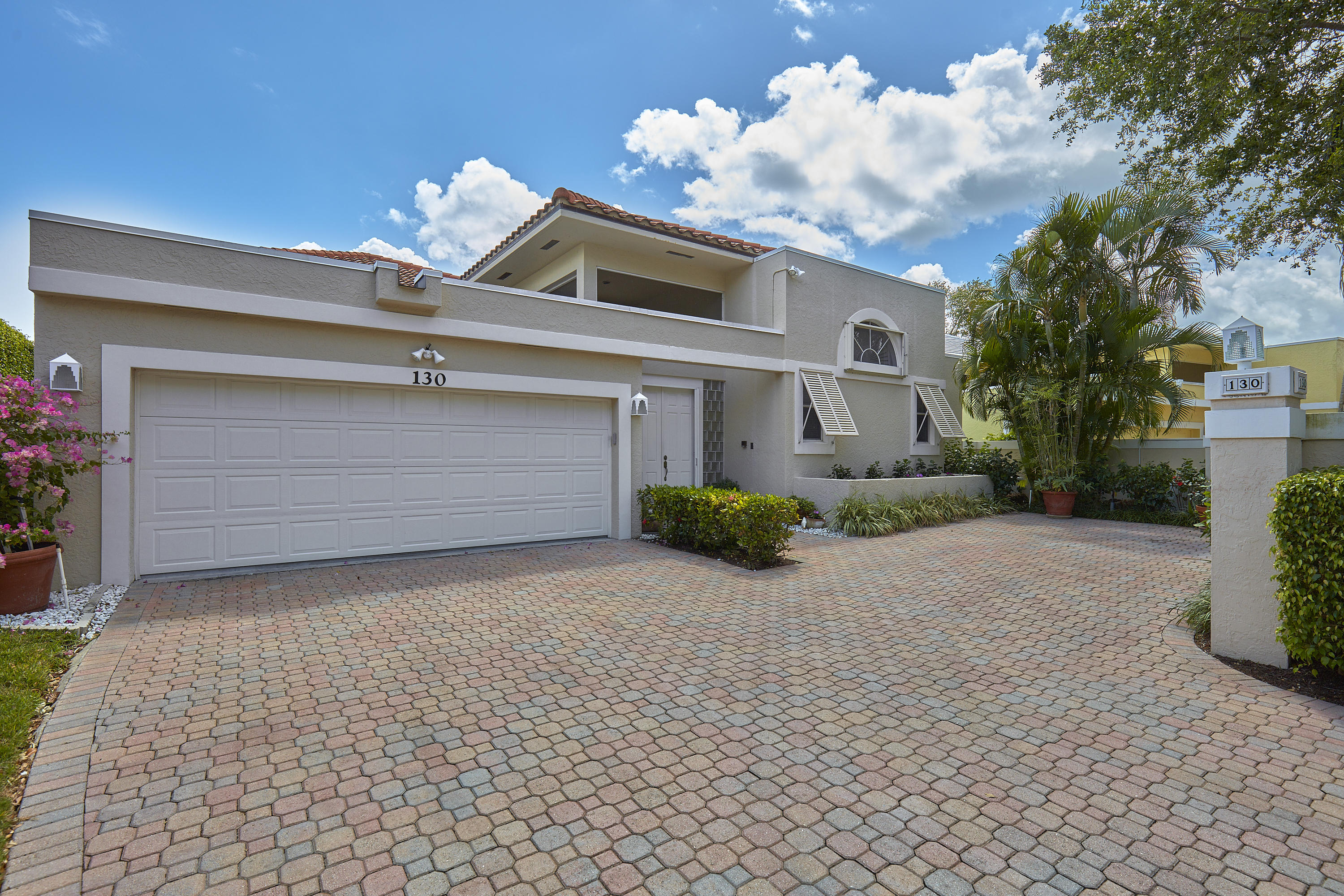 130 Waters Edge Drive, Jupiter, Florida 33477, 3 Bedrooms Bedrooms, ,4.1 BathroomsBathrooms,A,Villa,Waters Edge,RX-10494222