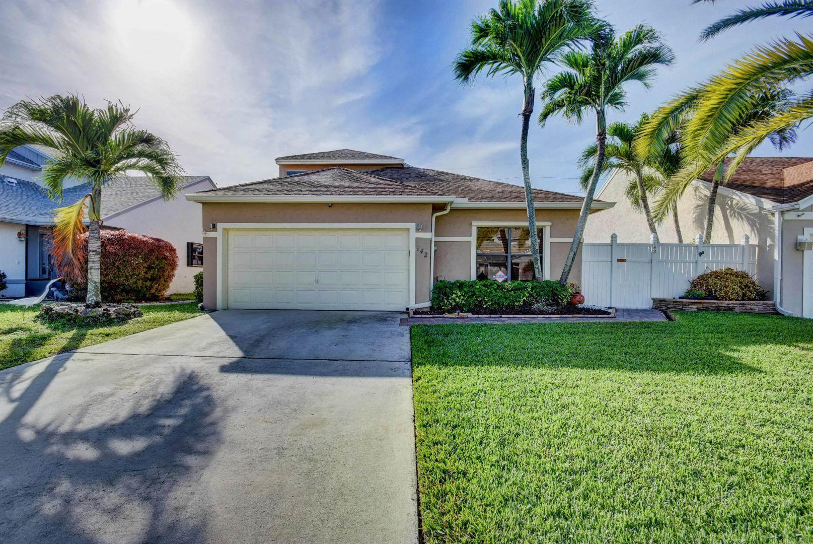 142 Tara Lakes Drive W, Boynton Beach, Florida