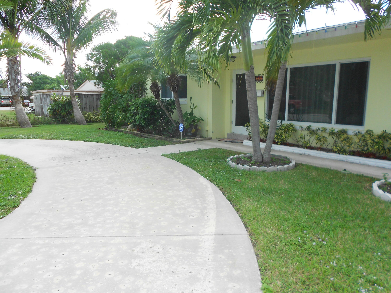312 SW 8th Avenue Boynton Beach, FL 33435