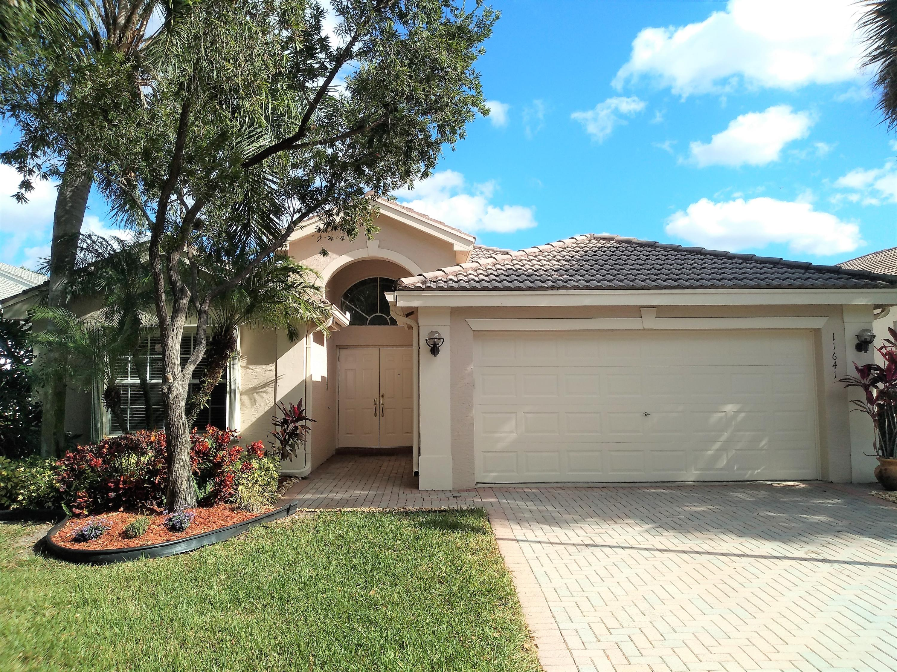 VALENCIA LAKES home 11641 Castellon Court Boynton Beach FL 33437