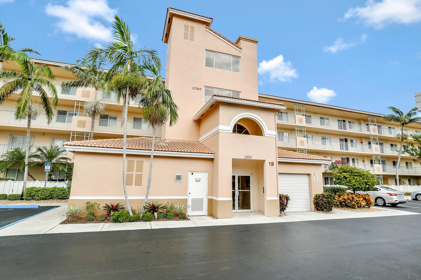 5906 Crystal Shores Drive 407 Boynton Beach, FL 33437