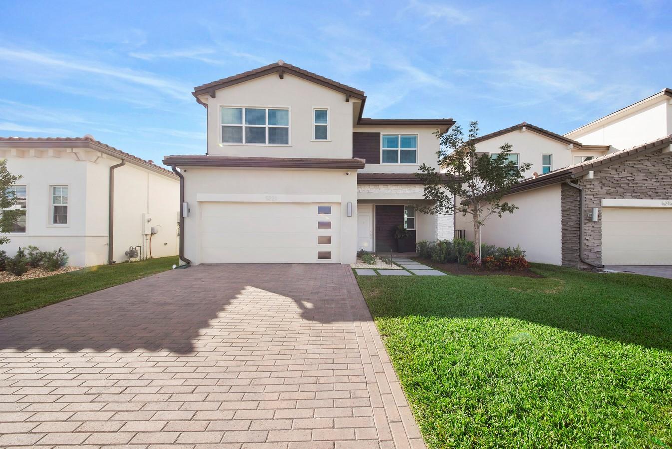 5221 Beland Drive  Lake Worth, FL 33467