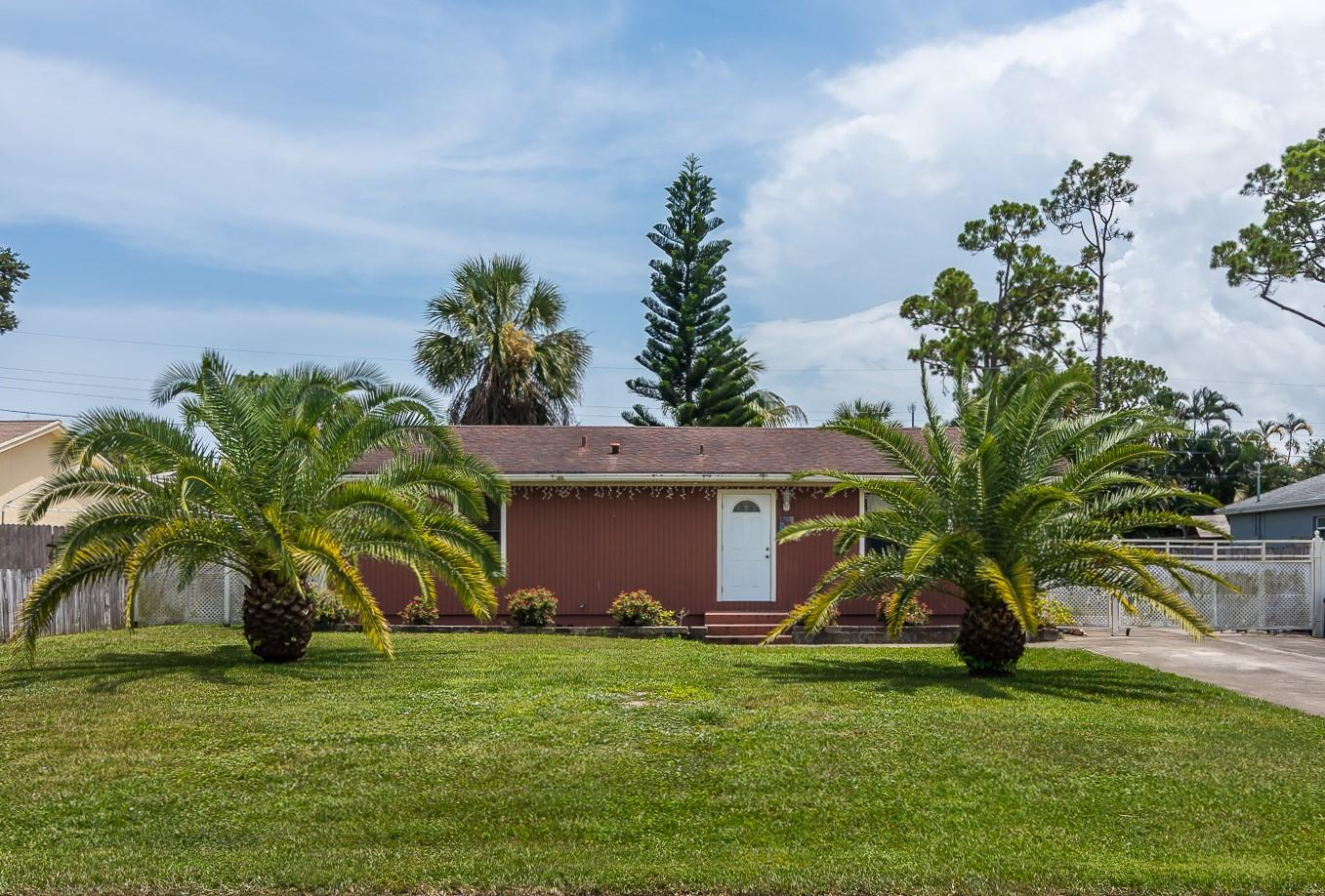 4628 Canal Drive Lake Worth, FL 33463