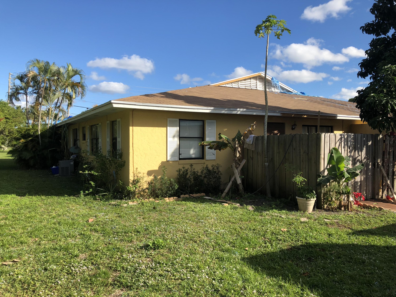 4573 Barclay Crescent Lake Worth, FL 33463