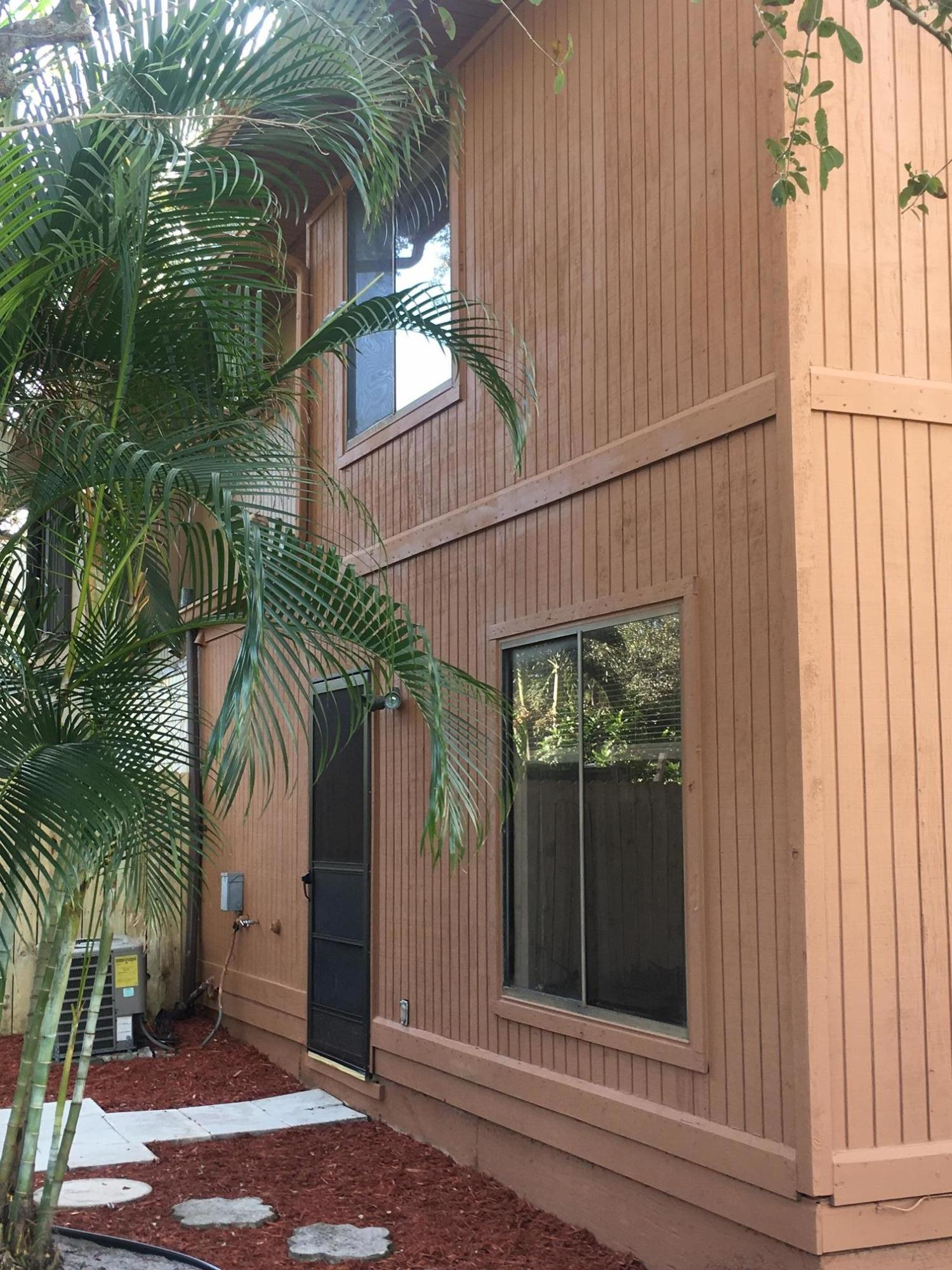 PLACE IN THE WOODS PALM BEACH GARDENS REAL ESTATE