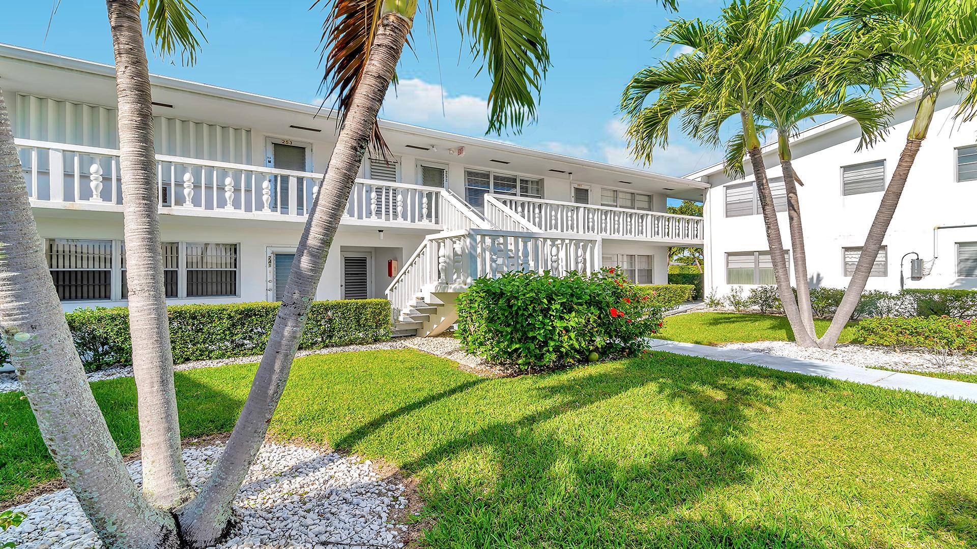 256 Andover J 256 West Palm Beach, FL 33417