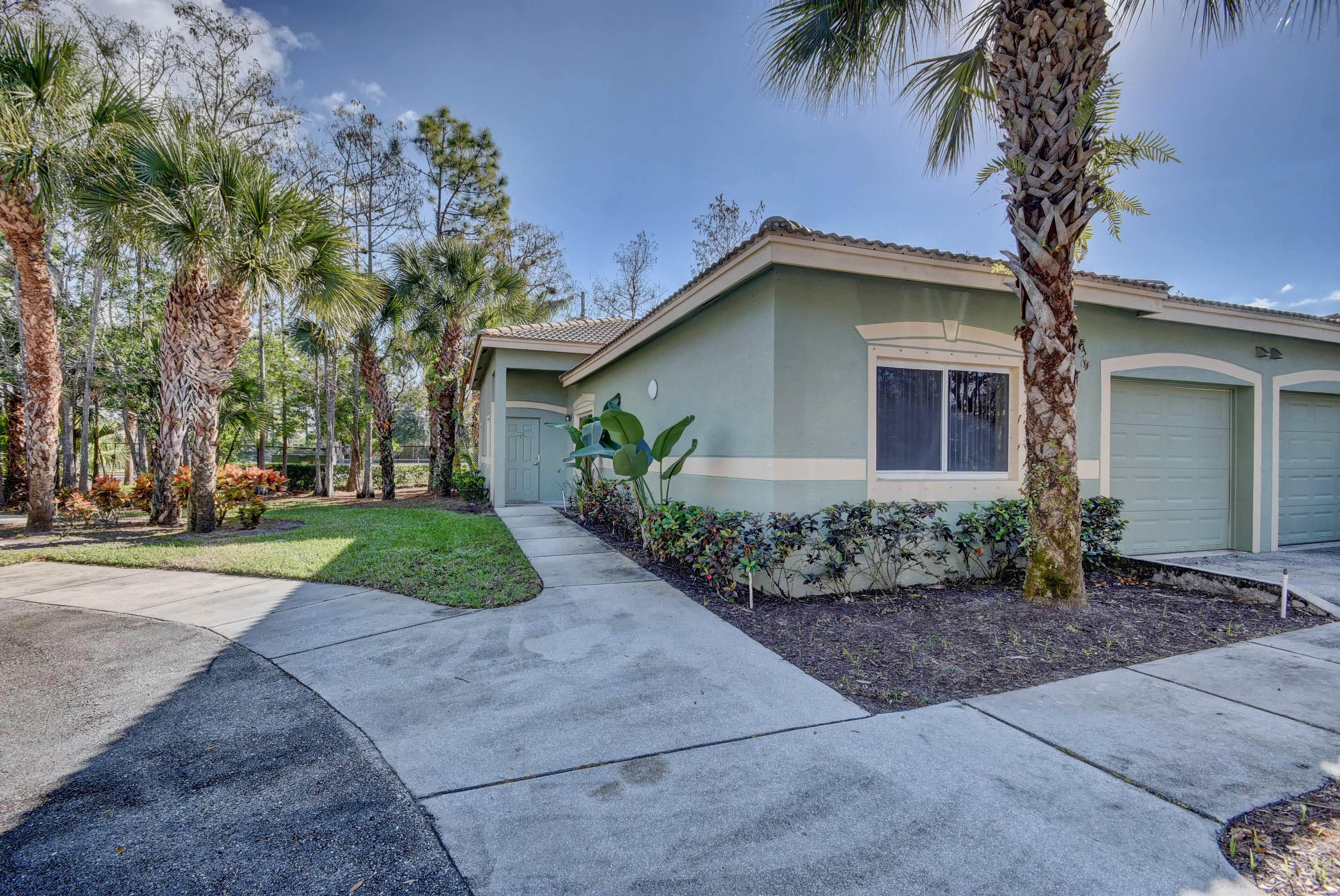 220 Crestwood Circle 101 Royal Palm Beach, FL 33411 photo 25
