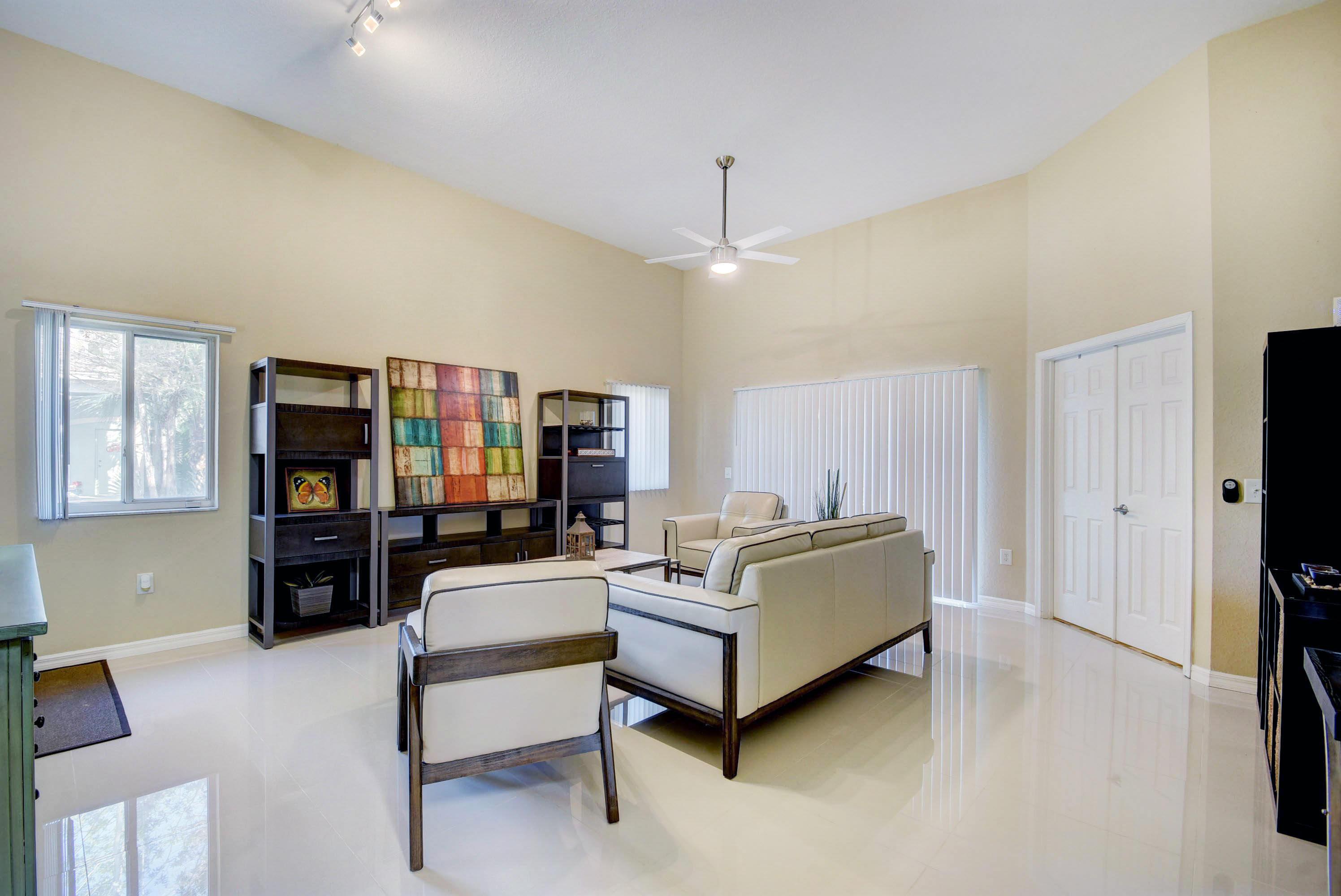 220 Crestwood Circle 101 Royal Palm Beach, FL 33411 photo 10