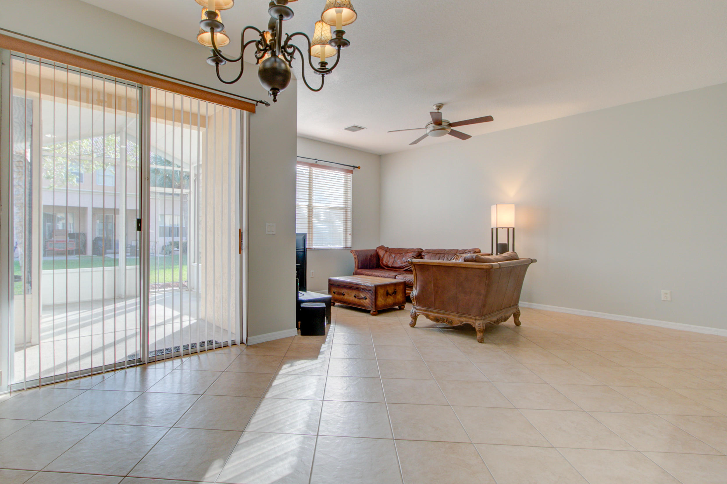 453 Rainbow Springs Terrace Royal Palm Beach, FL 33411 photo 5