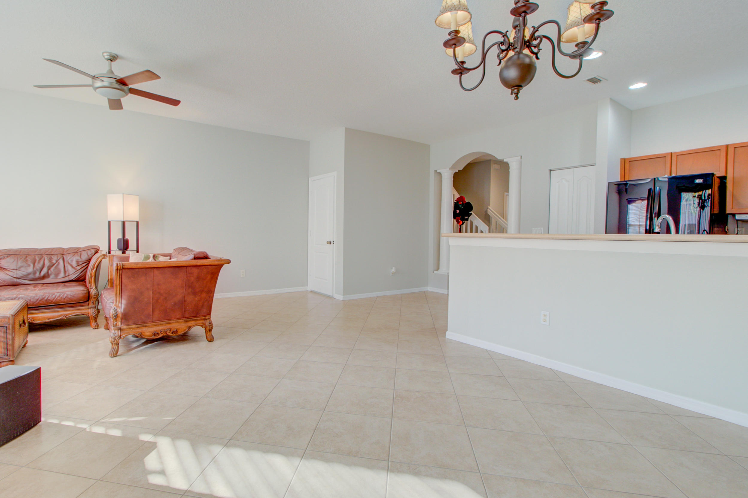 453 Rainbow Springs Terrace Royal Palm Beach, FL 33411 photo 6