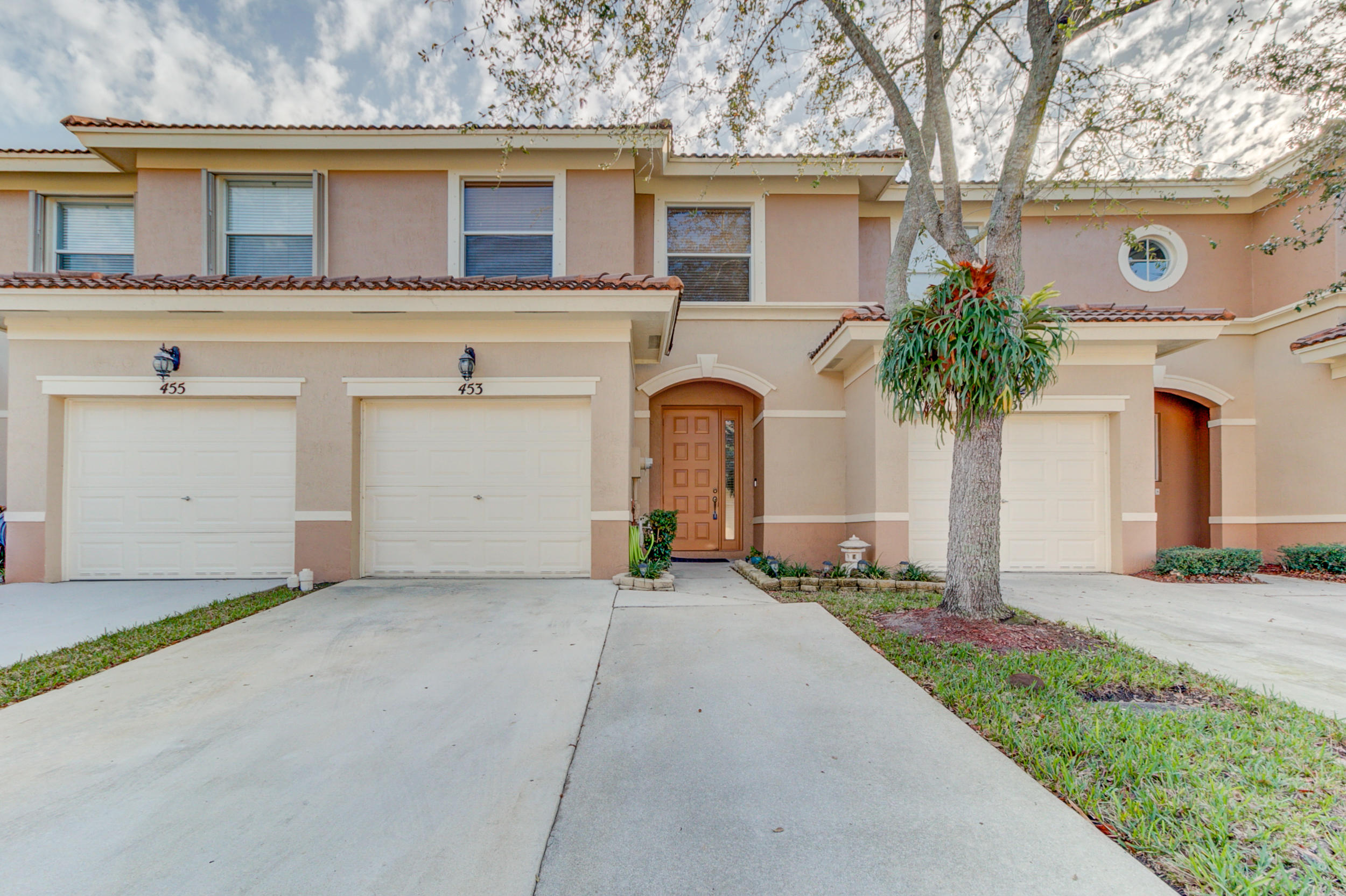 453 Rainbow Springs Terrace Royal Palm Beach, FL 33411 photo 1