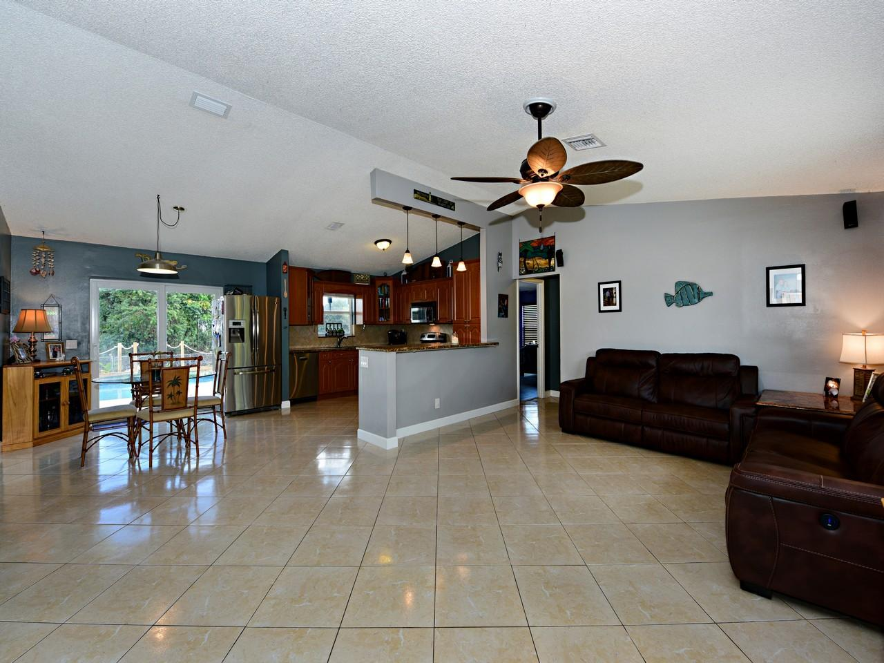 168 Martin Circle Royal Palm Beach, FL 33411 photo 4