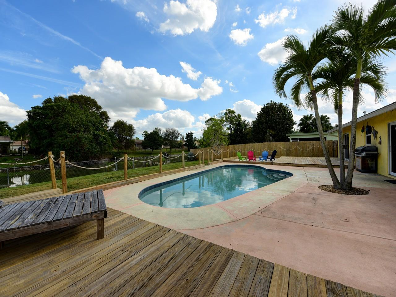 168 Martin Circle Royal Palm Beach, FL 33411 photo 23