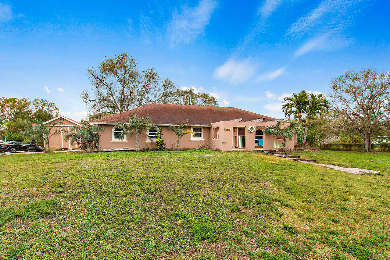 Home for sale in Acreage & Horse Trails Loxahatchee Florida