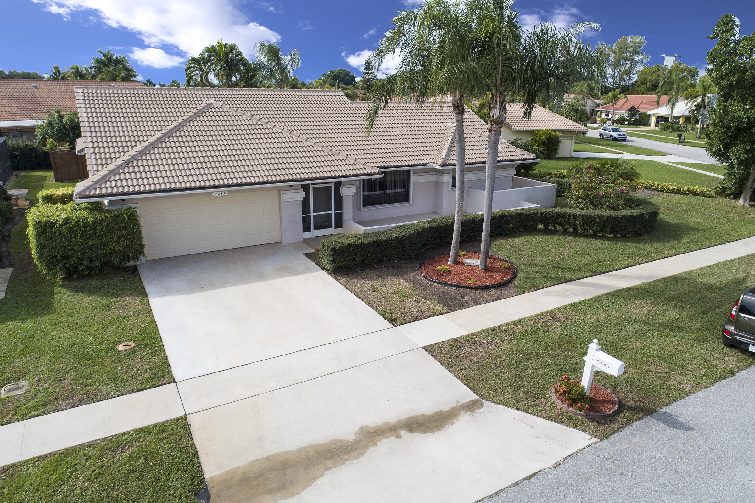 9290 Laurel Green Drive Boynton Beach, FL 33437 small photo 2