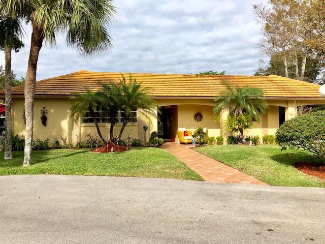 Home for sale in PALM-AIRE C C 81 CONDO Pompano Beach Florida