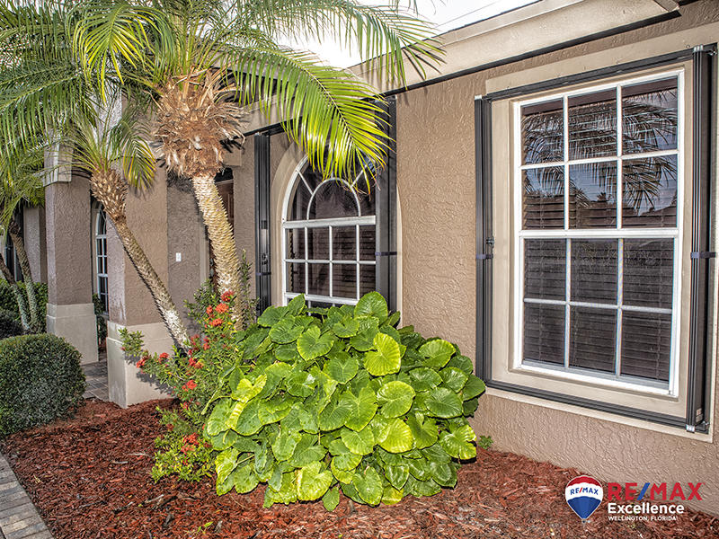 104 Brook Woode Court Royal Palm Beach, FL 33411 photo 4