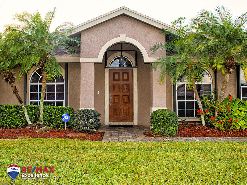 104 Brook Woode Court Royal Palm Beach, FL 33411 photo 2