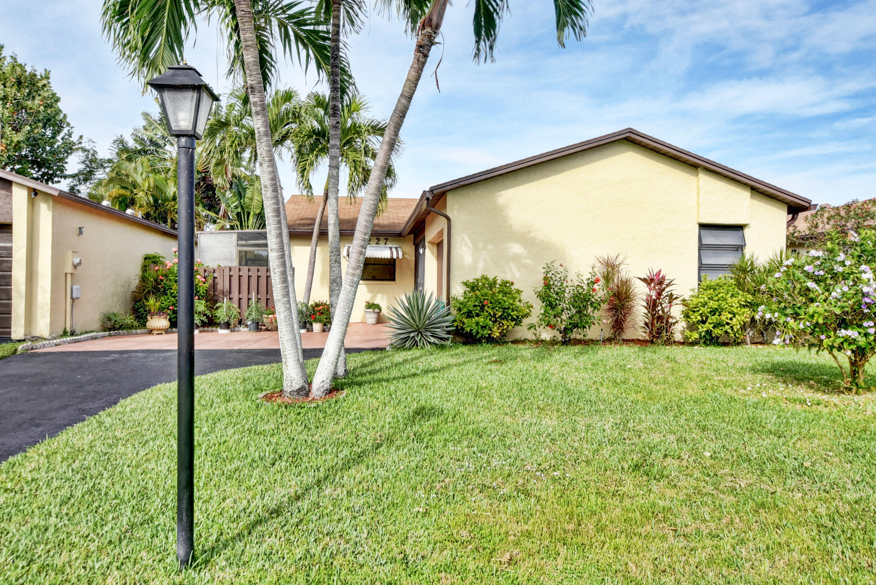 5590 Mirror Lakes Boulevard Boynton Beach 33472 - photo