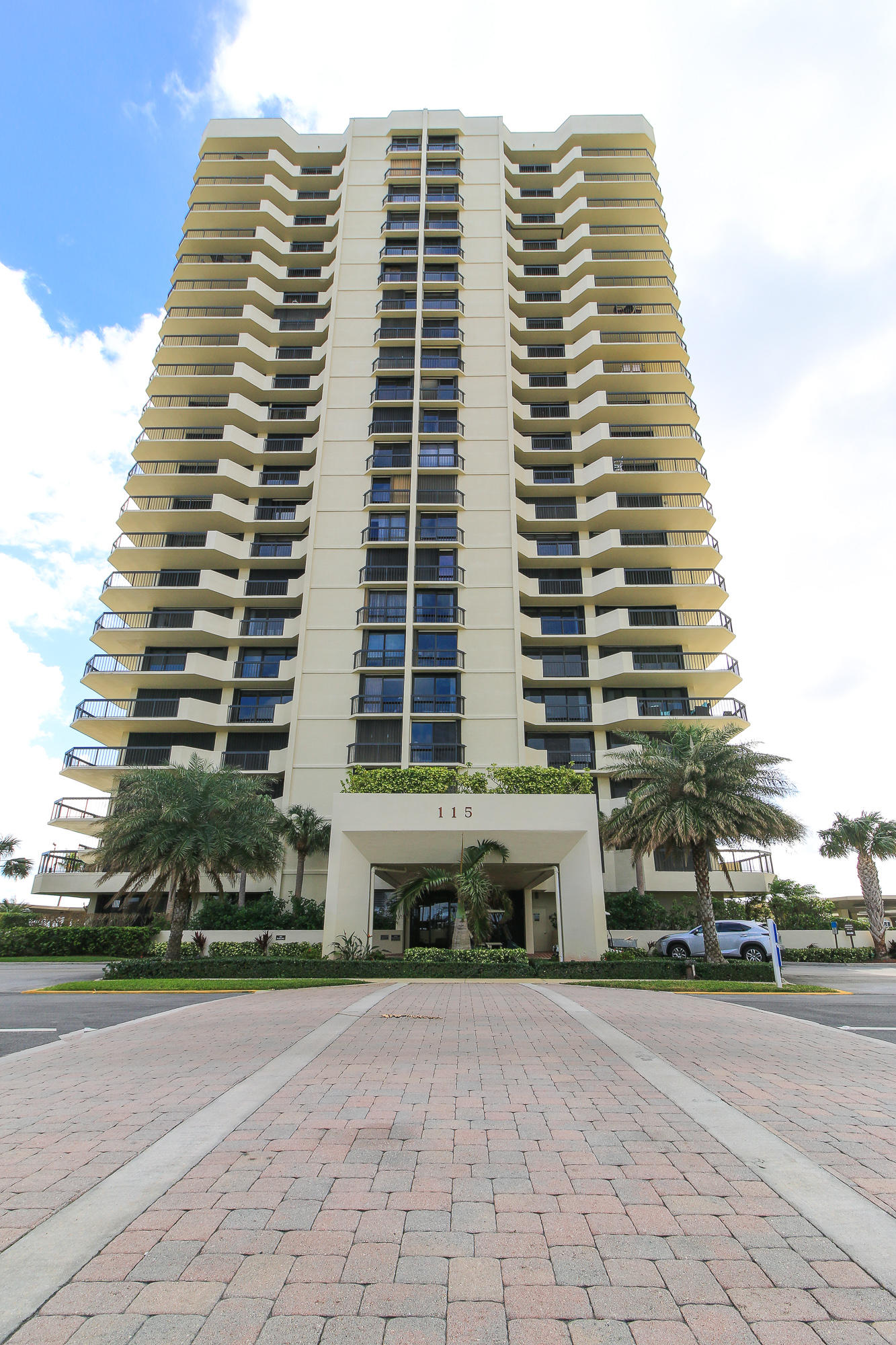 115 Lakeshore Drive 248, North Palm Beach, Florida 33408, 3 Bedrooms Bedrooms, ,2.1 BathroomsBathrooms,A,Condominium,Lakeshore,RX-10494172