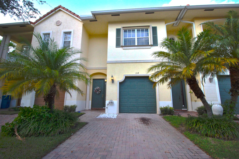 104 Via Emilia Royal Palm Beach, FL 33411