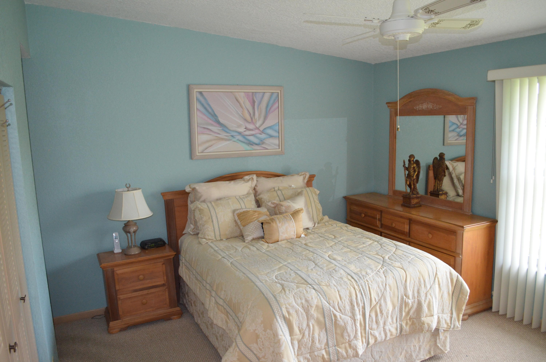 15552 Bottlebrush Circle Delray Beach FL 33484 - photo 17