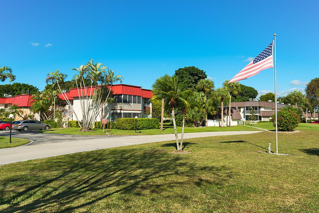 12027 Greenway Circle 206 Royal Palm Beach, FL 33411