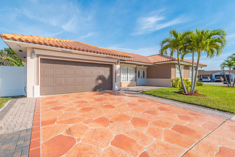 2619 W Carandis Road West Palm Beach, FL 33406