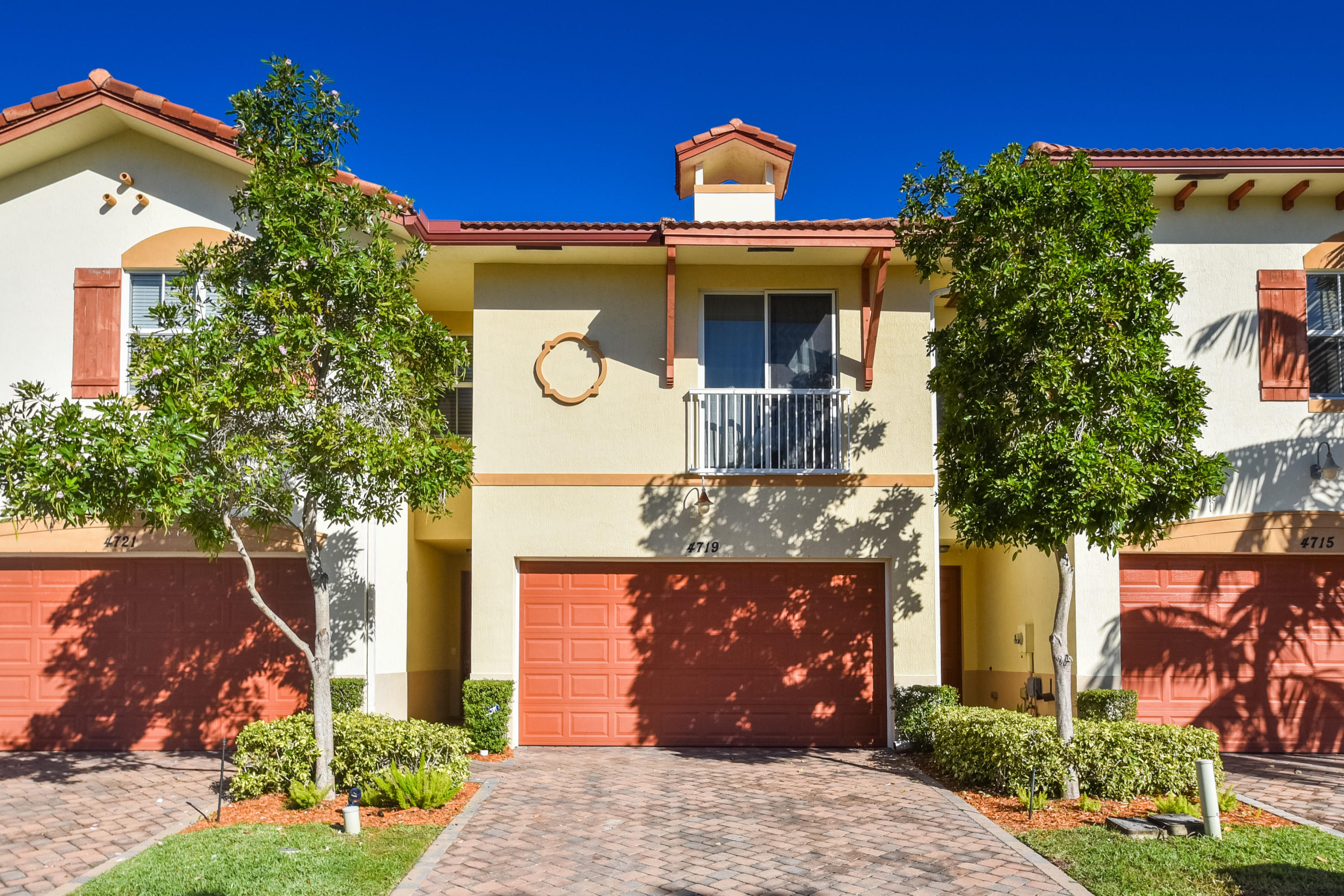 4719 N Prive Circle  Delray Beach, FL 33445