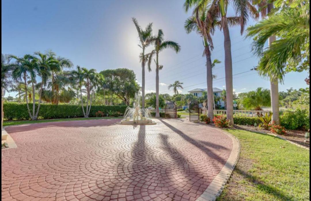 945 Palm Trail Trail Delray Beach, FL 33483 photo 11