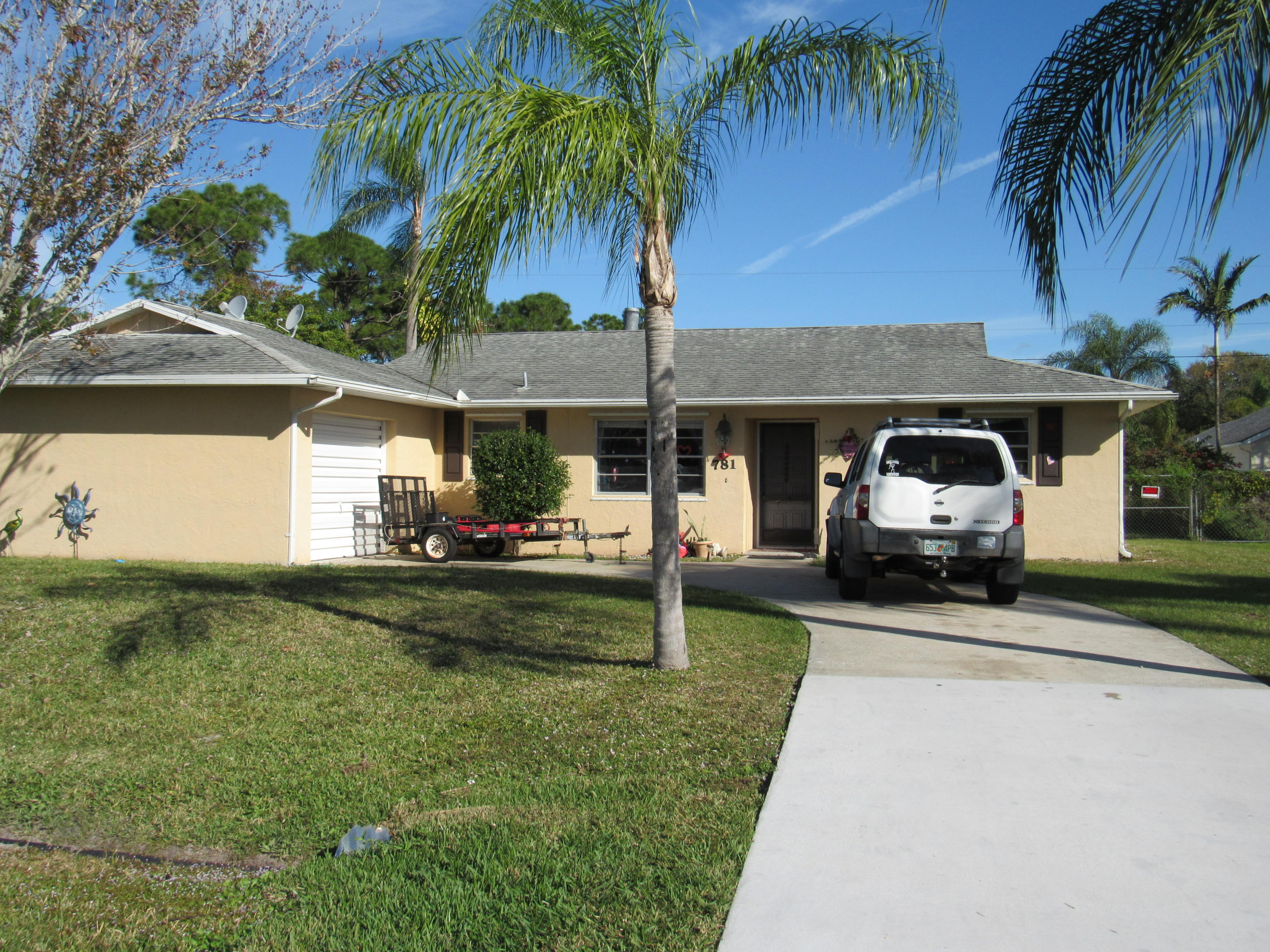 781 SE Sweetbay Avenue, Port Saint Lucie, Florida
