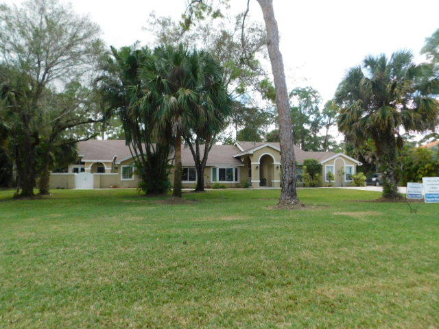 14877 Stirrup Lane Wellington, FL 33414 photo 2