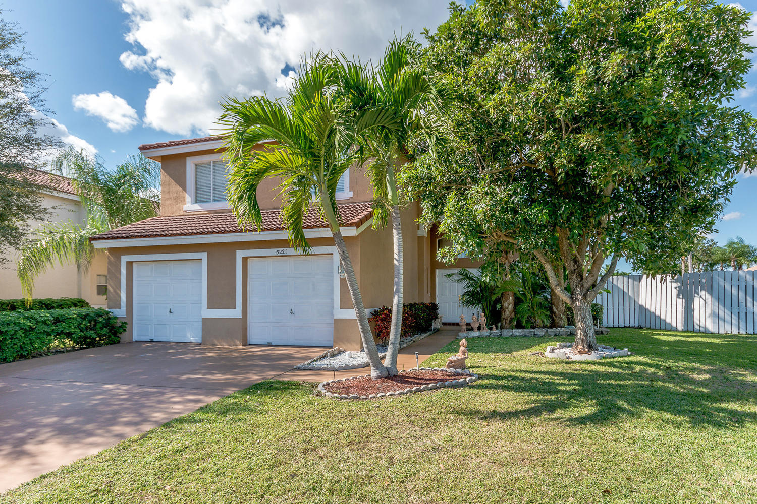 5221 Prairie Dunes Village Circle Lake Worth, FL 33463