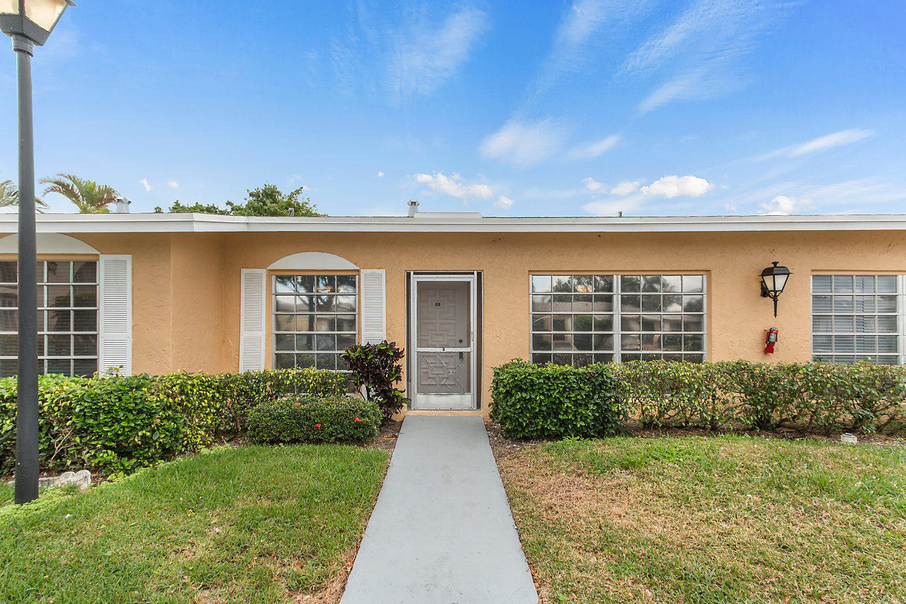 13719 Flora Place B  Delray Beach, FL 33484