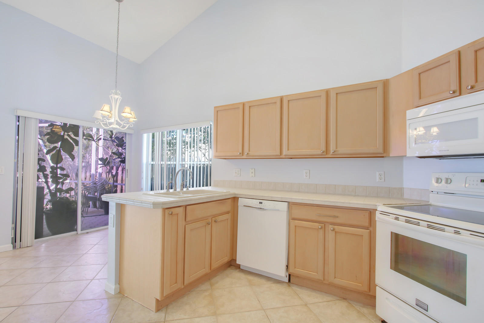 10618 Pelican Drive Wellington, FL 33414 photo 4