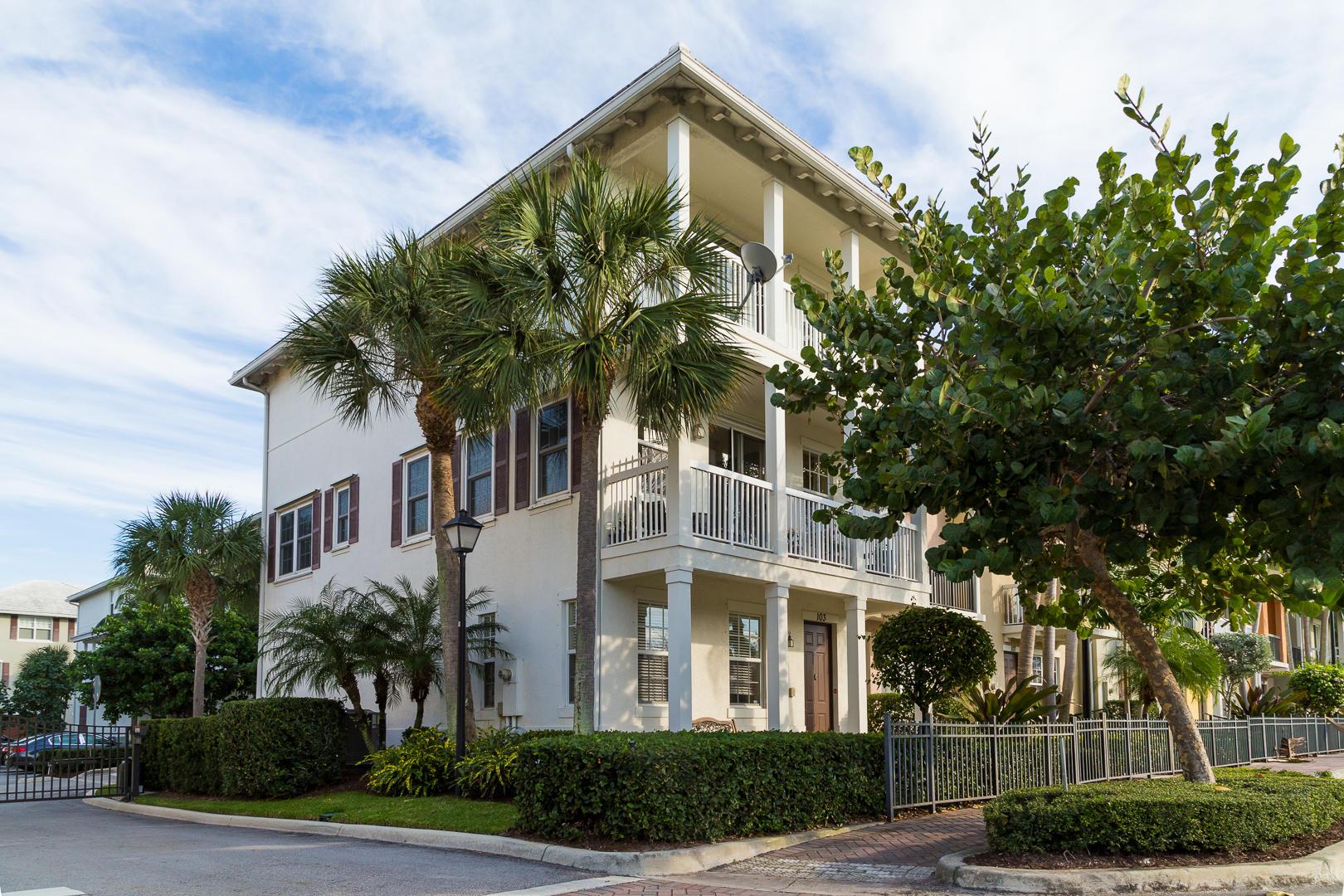 103 SW 2nd Avenue  Delray Beach, FL 33444