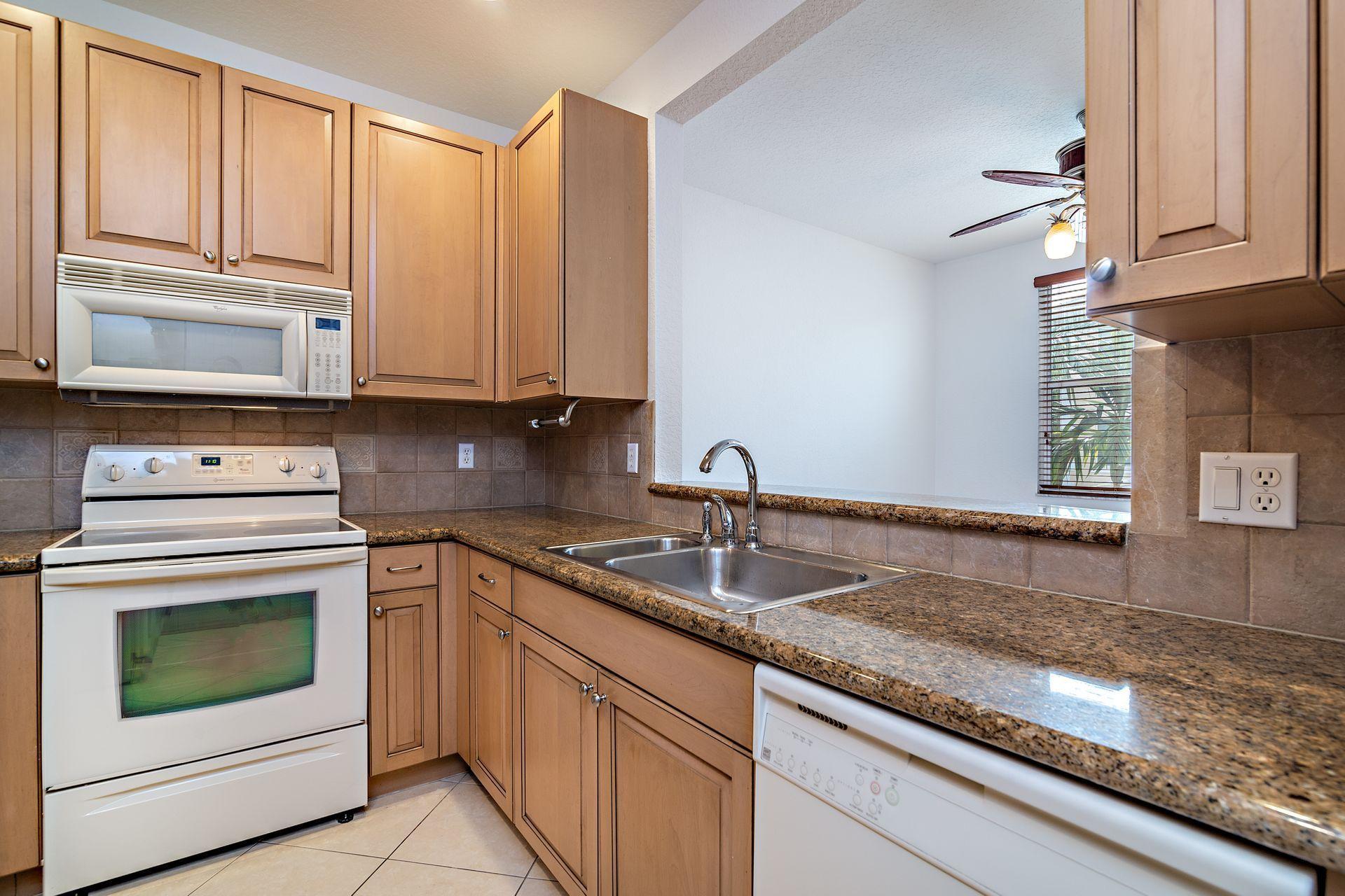 4122 Greenway Drive, Jupiter, Florida 33458, 3 Bedrooms Bedrooms, ,3.1 BathroomsBathrooms,F,Townhouse,Greenway,RX-10496104